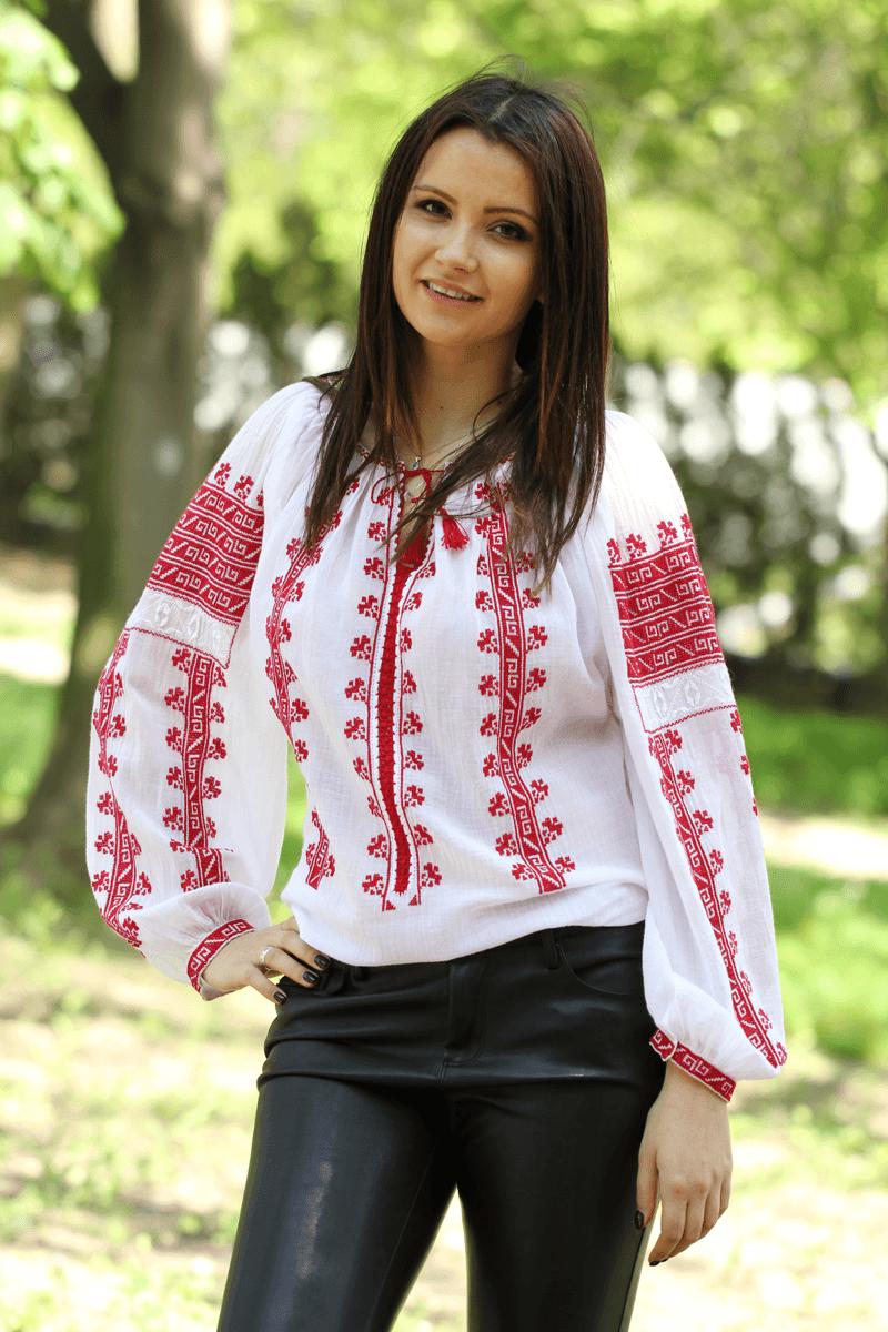 Ie Romaneasca Daniela 1